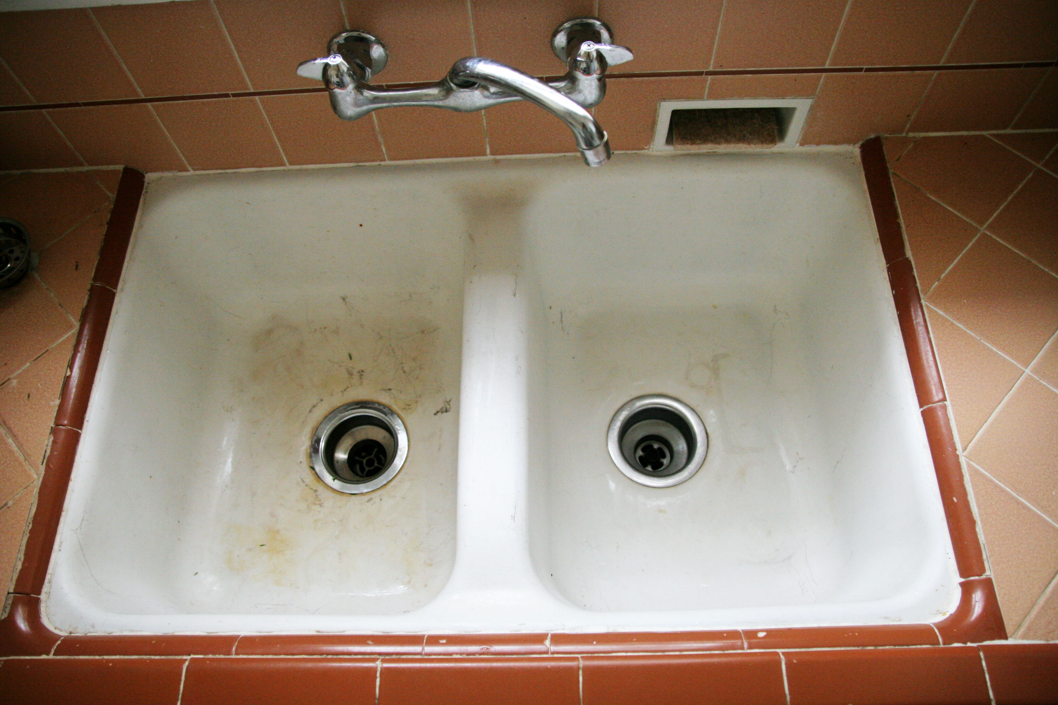 Charmant Steps To Clean An Old Porcelain Sink